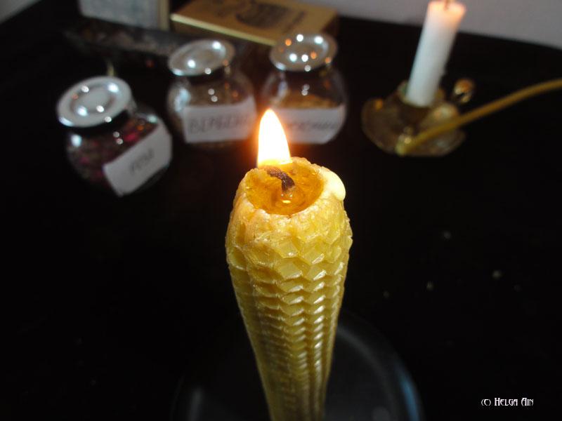свеча из вощины